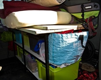 fourgon-aménagé-en-camping-car-pour-4-personnes