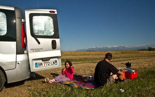 fourgon am nag en camping car avec un petit budget. Black Bedroom Furniture Sets. Home Design Ideas