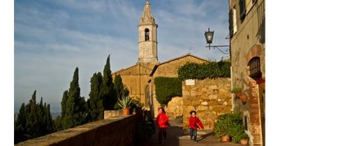 visite-famille-enfant-bébé-village-toscane-italie-voyage-pienza