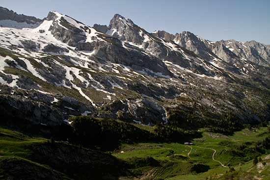 randonnée-en-famille-dans-les-alpes-chaine-des-aravis