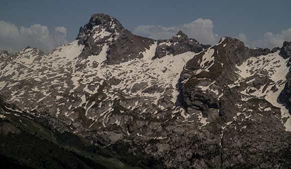 randonnée-famille-aravis-dans-les-alpes