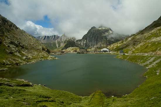 séjour--voyage-avec-enfant-Suisse-talie-col-du-Grand-Saint-Bernard