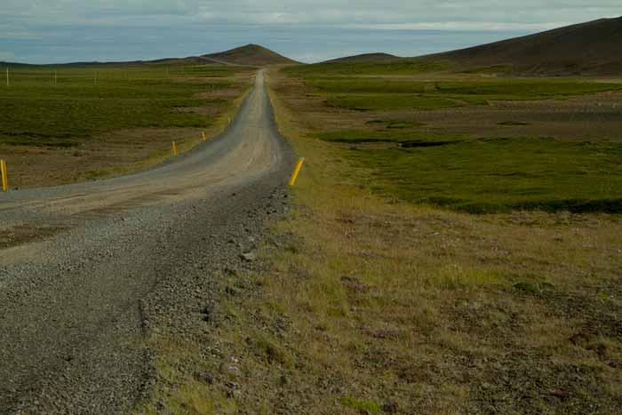 piste et paysage en-islande