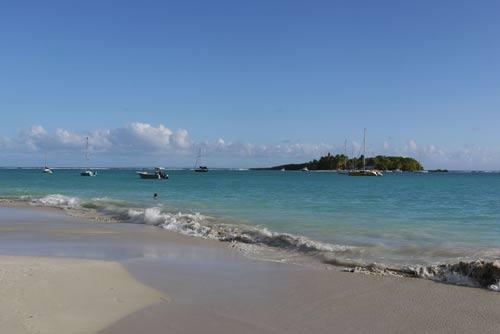 Guadeloupe-les-antilles-plage-et-mer