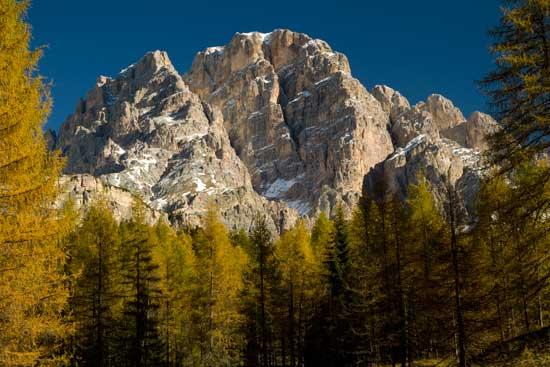 les-dolomites-italie-automne