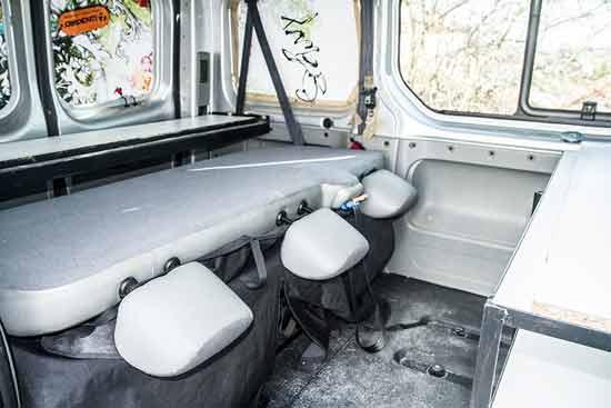 fourgon am nag en camping car avec un petit budget voyage en famille avec enfants et week end. Black Bedroom Furniture Sets. Home Design Ideas