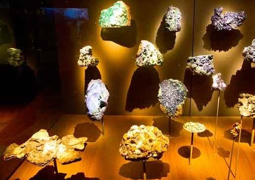 musée-des-confluences-minéraux