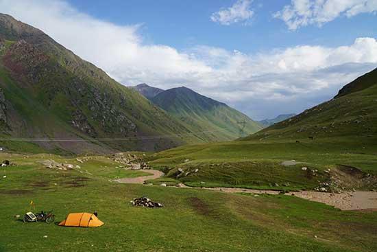 voyage-Kirghizistan-avec-tente