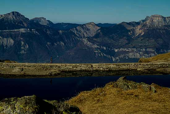 randonnée famille dans les Alpes Lac-du-Crozet-Belledonne-randonneur