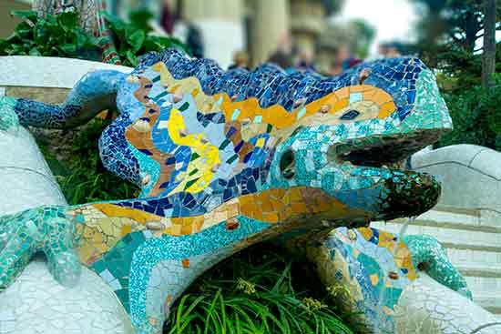 vacances barcelone en famille salamandre-park-guell