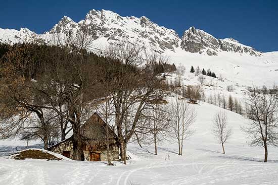 vaujany-grandes-rousses-montagne-et-chalet