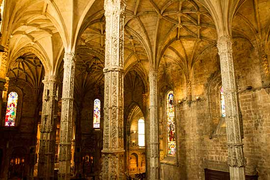 lisbonne avec enfants en famille église-mosteiros-de-hiéronymites