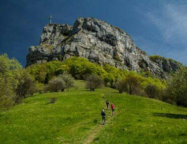 alpes ete famille croix-du-nivolet-randonneur-bauges