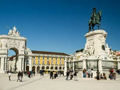 place-du-Commerce-Lisbonne