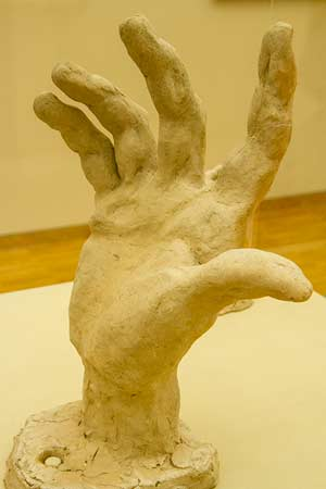 Musée-de-grenoble-sculpture main