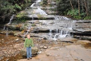 australie-avec-enfant-près de cascade-blue-mountains