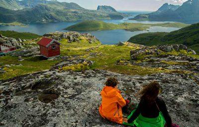 randonneur-enfant-lofoten-norvege