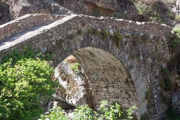 pont-romain-vallon-asco-Corse