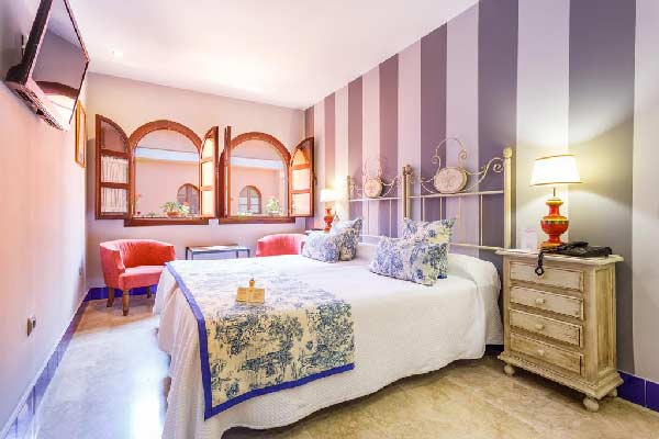 h tel et h bergement famille s ville top9. Black Bedroom Furniture Sets. Home Design Ideas