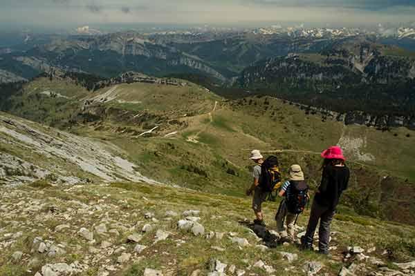 randonnée en-famille-dans les Alpes grande-sure-Chartreuse