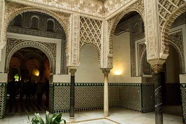 salle-des-poupées-Alcazar-del-rey-Séville-Andalousie