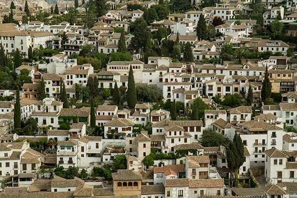 vue-sur-Grenade-depuis-Alhambra-Andalousie-Espagne