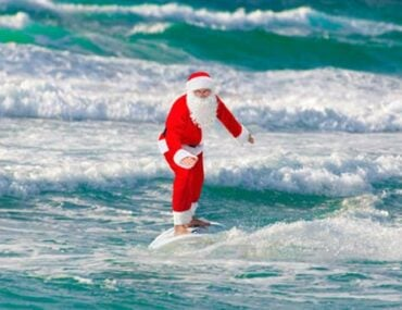papa-noel-en-surf-australie