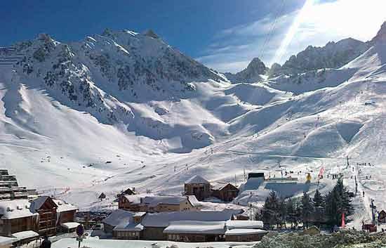 station-de-ski-avec-garderie-pyrénées