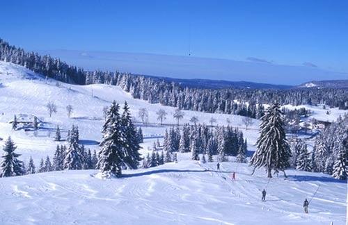 station-ski-familiale-jura