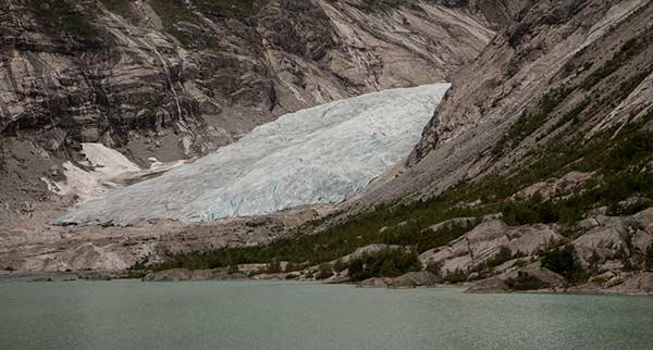 glacier-Nigardsbreen-Norvège-avec-enfants