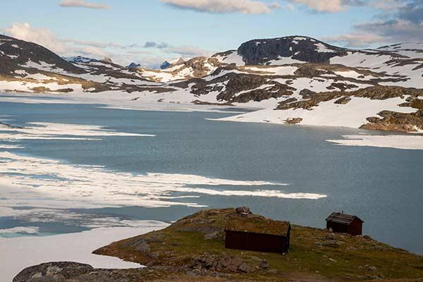 norvege-en-famille-avec-enfants-montagne-et-lac