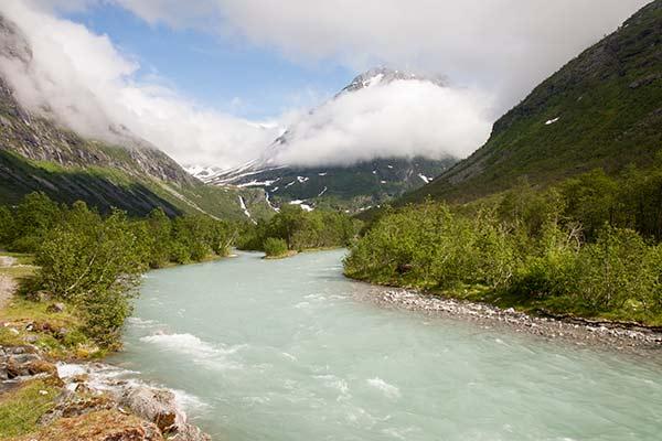 randonnée-Norvege-montagne-avec-enfants