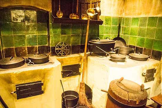 https://www.enfant-en-voyage.com/wp-content/uploads/2018/01/strasbourg-enfants-cuisine-musee-alsace.jpg