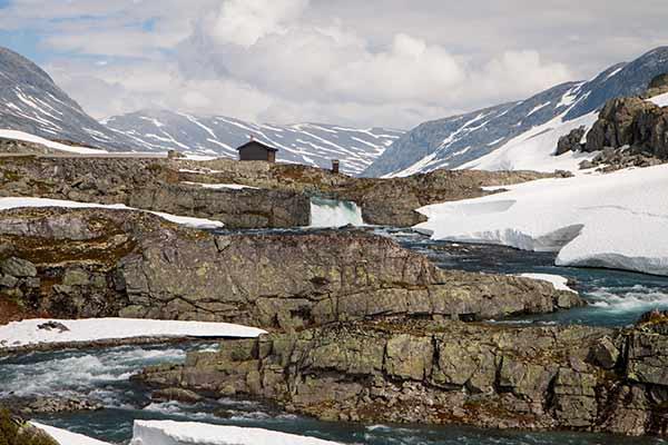voyage-en-Norvège-en-famille-montagne