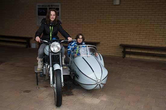 studio-harry-potter-Londres-enfants-sur-moto