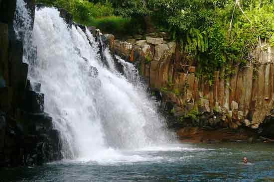 cascade-voyage-ile-maurice-en-famille
