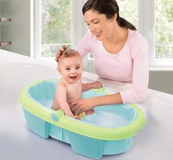 Baignoire Bébé En Voyage Et Autres Solutions Pour Son Bain