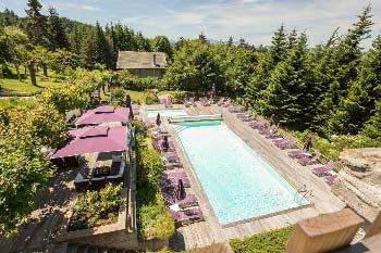 hotel-famille-auvergne-avec-piscine