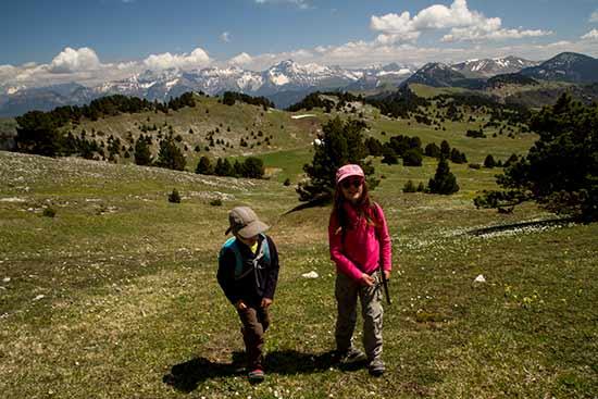 randonnée-en-famille-dans-les-alpes