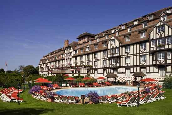 hotel-familial-normandie-piscine