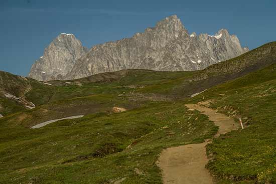 tour-du-mont-blanc-en-famille-en-suisse