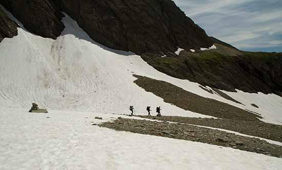 randonnée-avec-enfants-vers-refuge-robert-blanc