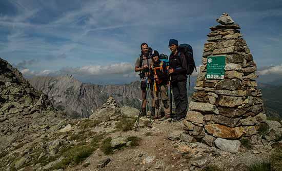 randonnée-en-famille-col-enclave-mont-blanc