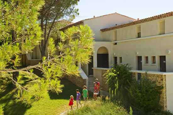 apparthotel-club-vacances-famille-luberon