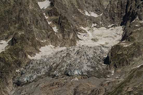 glacier-dans-le-Mont-Blanc-Grandes-Jorasses