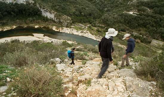randonnée-avec-enfants-dans-les-gorges-gard