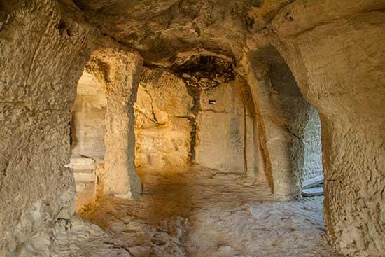site-touristique-gard-abaye-saint-romain