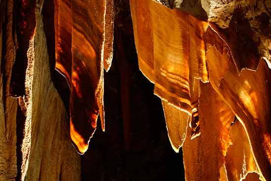 visite-ardeche-en-famille-grotte