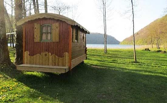 camping-en-famille-jura