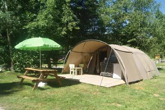 camping-familial-dans-le-jura